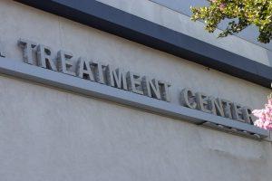 Shreveport, LA - 3 Injured In Wreck Involving Sheriff's Deputy At Hearne Ave & Lakeshore Dr